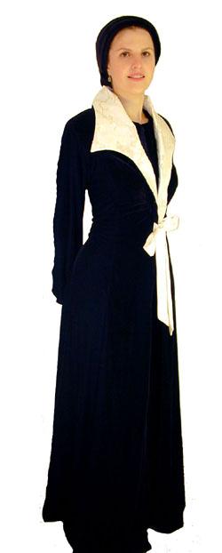 Stately Velvet & Sequins <!-- 1099-V2 S41 -->