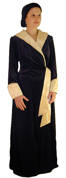 The London Evening Robe <!-- 1198V2T5 -->
